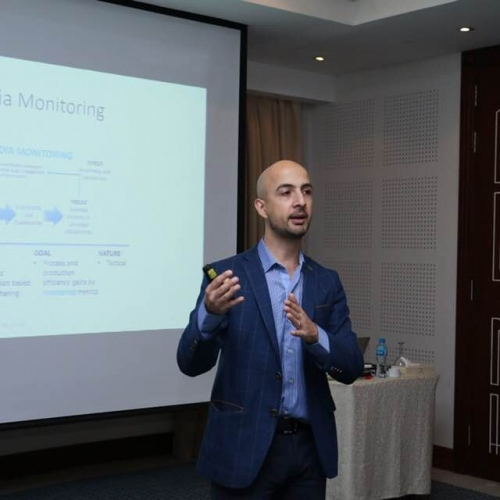 Mastering Digital Marketing training and delivering the certificates - Kuwait 2017