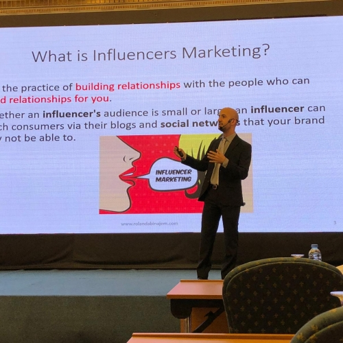 roland-abi-najem-speaker-in-the-arab-media-forum-talking-about-influencers-marketing-where-i-was-honored-by-the-conference-chariman-mr-madi-al-khamis-2