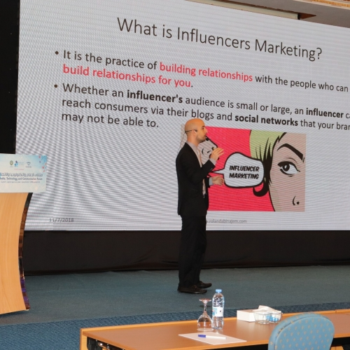 speakers-in-the-arab-media-forum-talking-about-influencers-marketing-where-i-was-honored-by-the-conference-chariman-mr-madi-al-khamis-25