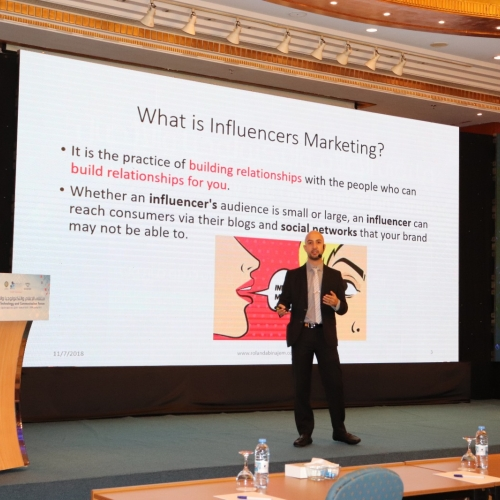 speakers-in-the-arab-media-forum-talking-about-influencers-marketing-where-i-was-honored-by-the-conference-chariman-mr-madi-al-khamis-28